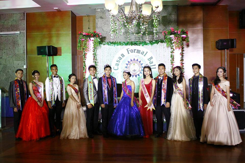Winners of the special awards pose after being proclaimed winners during the Casan Formal Ball at the Main Ballroom of Alabang Country Club last Friday, 3 March 2017.  From L to R are Kent Caro and Danica Conti (Faces of the Year), Manuel Carlo Cabailo and Bianca Reyes (Mr, & Ms. Junior) Jeric Jacob Sorita (Mr. Science 2017), Stephen Sorita and Nicole Diamante (King and Queen of the Ball) Zia Villarente (Miss Science 2017) Johann Mabanto and Janielle Cullado (Mr. & Ms. Senior), Nathaniel Luiz Alsim and Reign Vales (Stars of the Night)