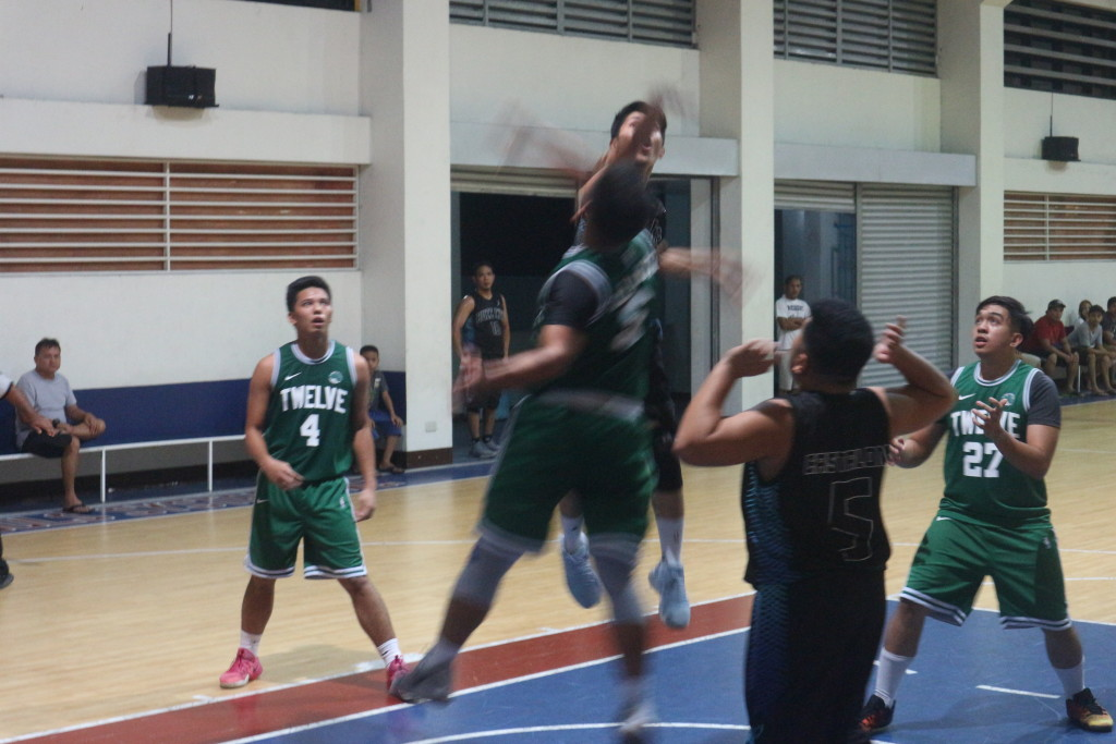 The two dueling batches fight for the championship during their scrimmage at the CDN Phase 6 gym.