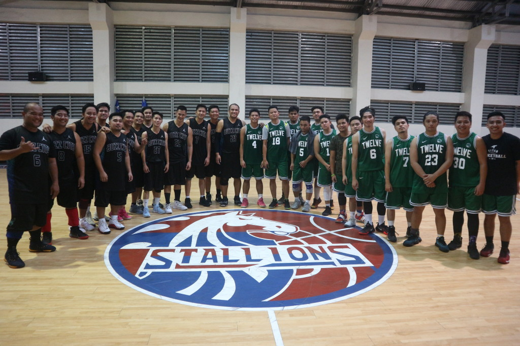 Batch 2002 and Batch 2012 players pose right after their final games last Sunday, May 6 at the CDN Phase 6 Gym.