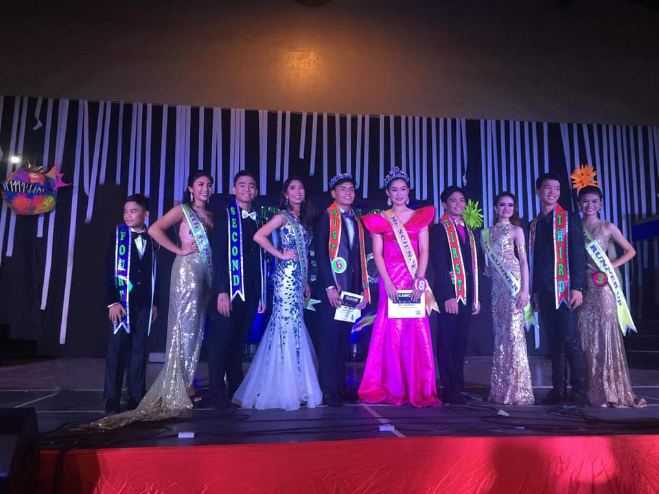 The winners of  Mr. & Ms. Science 2018 pose with their runners up on stage during the coronation night last Saturday, October 6,2018.